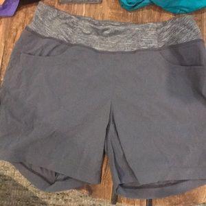 Women's Mountain Hardware Dynama Shorts